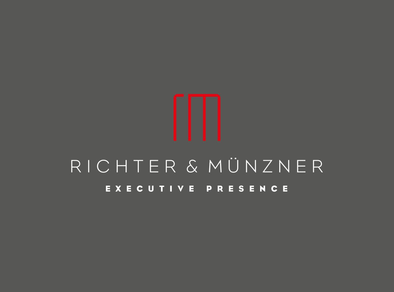 Logo Design für die Mediencoaches Richter & Münzner, Logo auf dunklem Hintergrund